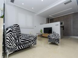 Spacious living room and sitting area